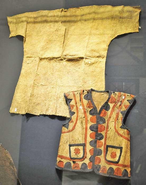 【じゃらんじゃらん特集】自然と共に、手作りの樹皮布 あすまで展覧会   テキスタイル博物館