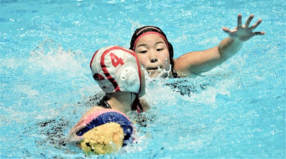 国士館と新潟産業大 水球で日イ交流 地元代表と合同練習